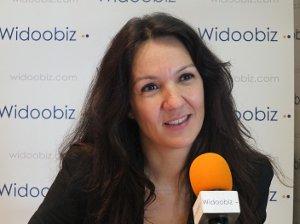 Radhia Amirat-widoobiz au micro de Widoobiz, la radio 100% entrepreneurs
