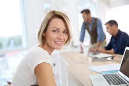 Devenir femme consultante freelance